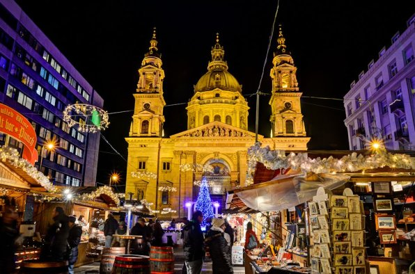Christmas market. Photo: Visit Hungary
