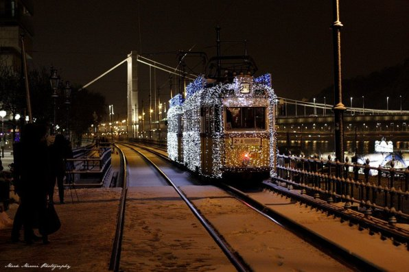 Christmas Light Tram. Photo: Visit Hungary