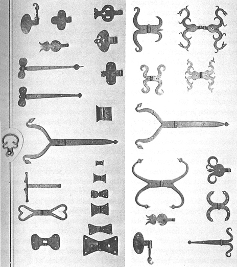 Colonial hinges from the 17th and 18th centuries.