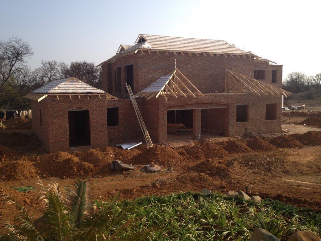 Roof truss erection