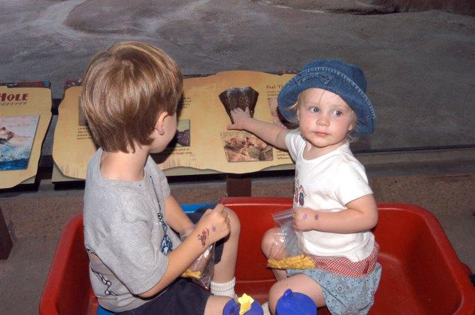 sculpture-kids-wagon