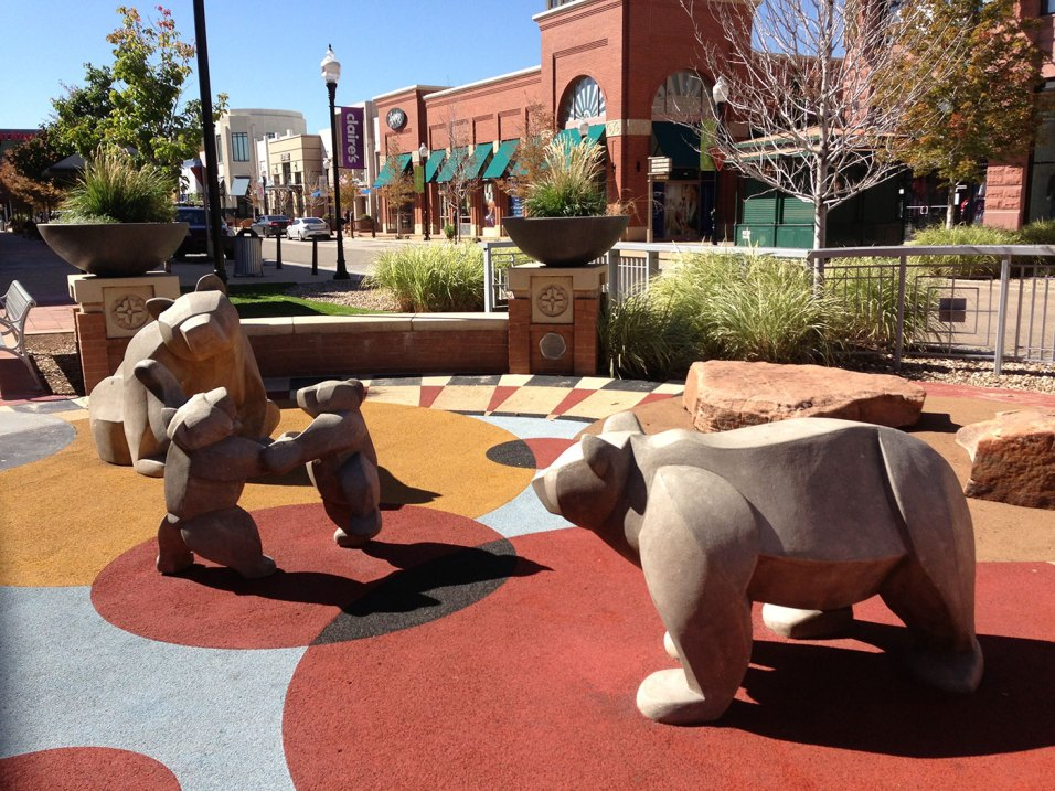 sculpture-monumental-bears-playground-3