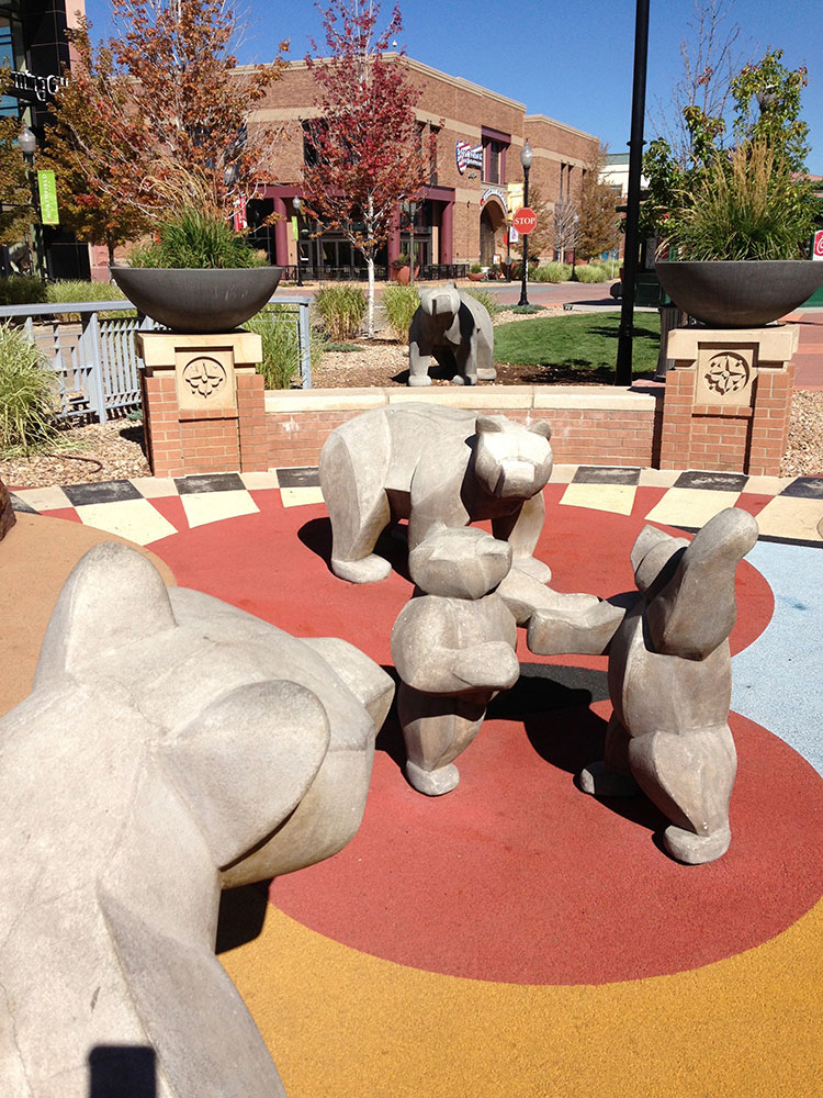 sculpture-monumental-bears-playground