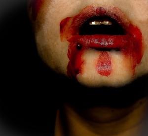 boca ensangrentada