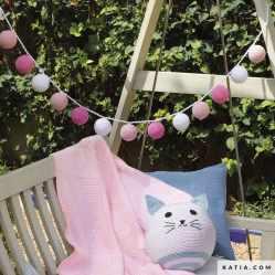 patron-tejer-punto-ganchillo-bebe-guirnalda-bolas-primavera-verano-katia-6163-15-g