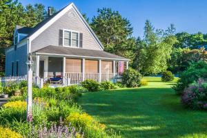 4 Summer Home Maintenance Tips