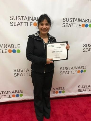 2017 Sustainability Hero Sophorn Sim with her award