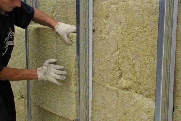Утеплители для наружных стен деревянного дома – Чем ...