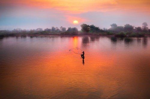 puesta de sol en lago