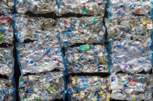 プラスチックボトル ゴミ
