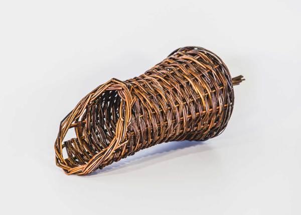 Nestmand wilde eend en waterhoen, gemaakt uit gevlochten riet. Dit kunstnest is op maat gemaakt voor de wilde eend en de waterhoen.