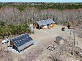 Cape-Breton-Eco-Village-Living-and-Energyhouse-2
