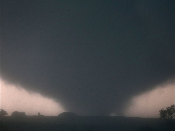Торнадо из Оклахомы признан рекордсменом в нескольких номинациях