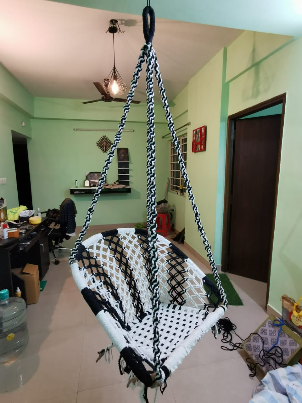 black-and-white-d-shaped-hanging-cotton-swing