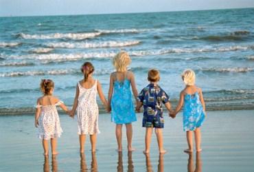 Travel discounts for grandparents, boomers: Aruba, Colonial Williamsburg