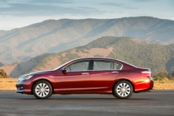 Best 2013 sedans under $25,000: Honda Civic, Honda Accord