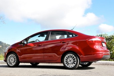 2014 Ford Fiesta red_600p
