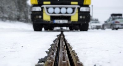 electrified road opens in sweden