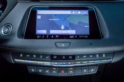 2019 Cadillac XT4 dashboard jewelry