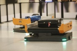 Robots Deliver Luggage at DFW