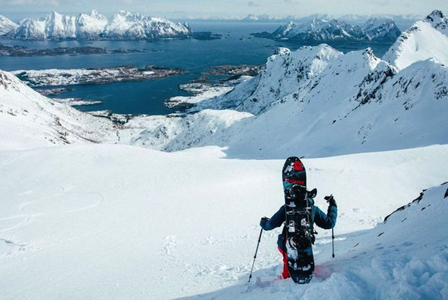 http-cdn.coresites.factorymedia.com-mpora_new-wp-content-uploads-2015-11-WayNorth_AlineBock7_byNickPumphrey_Lofoten-Snowboarding-Norway-Splitboard-680x454
