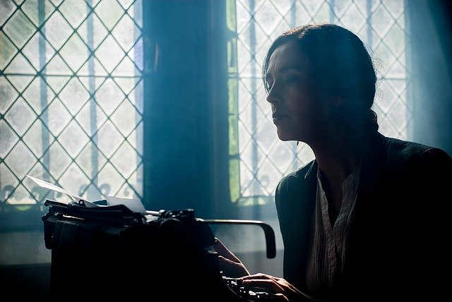 Écrivez une biographie d'auteur qui déchire
