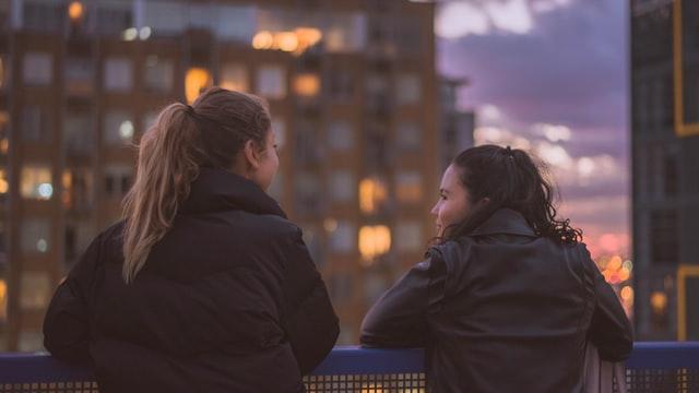 L'écriture collective: une façon de trouver amis et nouveaux collaborateurs