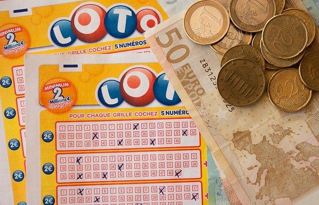 Comment votre personnage annoncerai qu'il a gagné au loto. Un bon exercice pour écrire des dialogues.