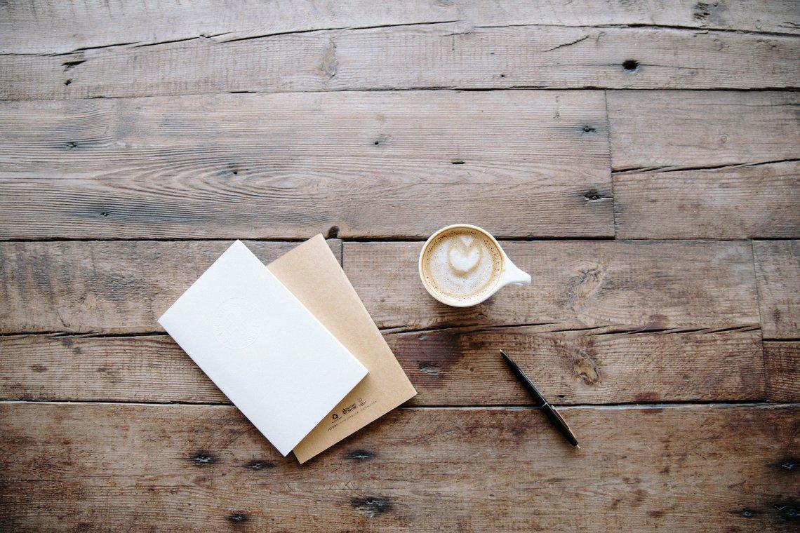 cahier et stylo