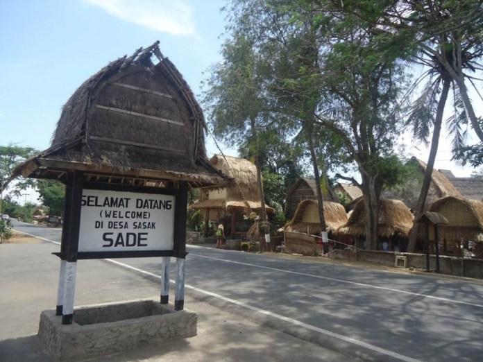 tempat wisata yang wajib dikunjungi saat berlibur ke lombok - desa sade suku sasak
