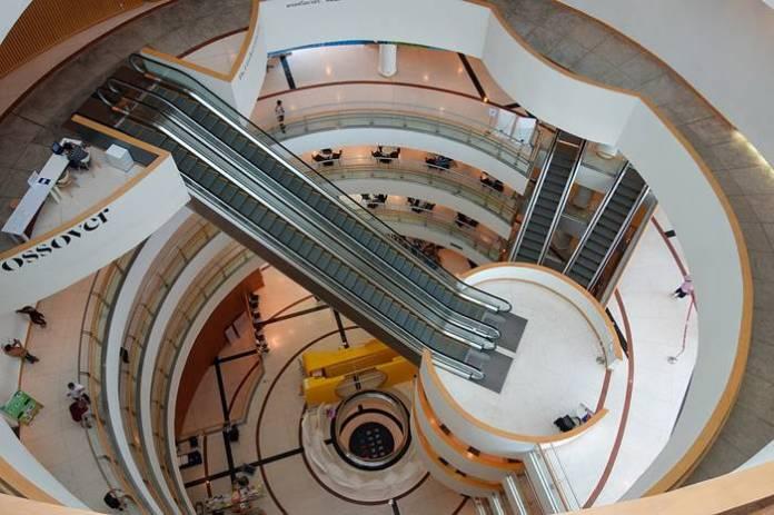 tempat wista di Bangkok terbaik - Bangkok Art and Culture Center