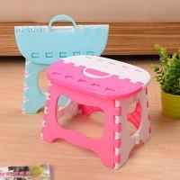 Kursi / Bangku Lipat Plastik Portabel untuk Anak Kecil