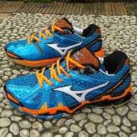 Sepatu Sport Pria Mizuno TR9 Low