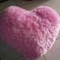 bantal sofa love cantik/  kado hadiah murah