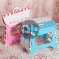 Foldable Chair Polos Kursi Plastik Lipat Mini Anak Serbaguna Bagikan