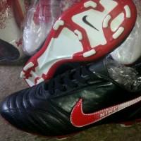 sepatu bola nike bahan kulit hitam list merah