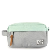 Tas Herschel Chapter Carry On Travel Kit