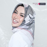 Medina Zein for Zoya Kerudung Segi Empat Cantik Camilla Scarf TERMUR
