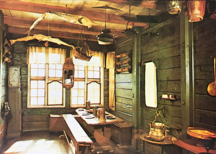 Image of the inside of a room in Bergen's Bryggen