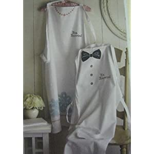 Hallmark Wedding WEH6212 Mr. & Mrs. Apron Set