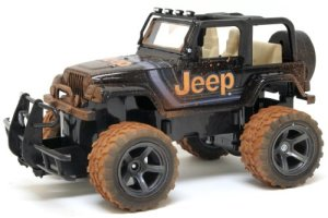 New-Bright-115-Jeep-Wrangler-Mud-Slinger-Radio-Control-Vehicle