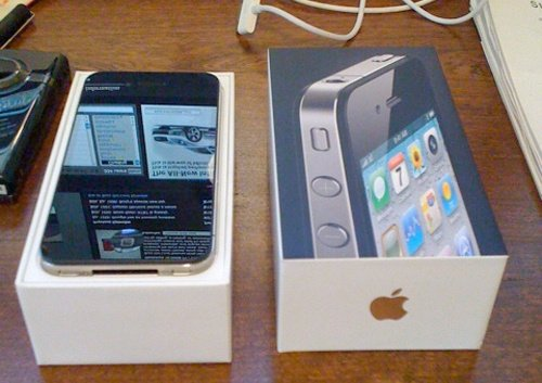 Apple iPhone 4S with 16GB Memory Mobile Phone - Black (Sprint)