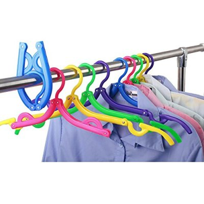 Connecting DOTS Pack of 6 Folding Hangars in use
