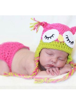 adorable baby knitted outfit: owl