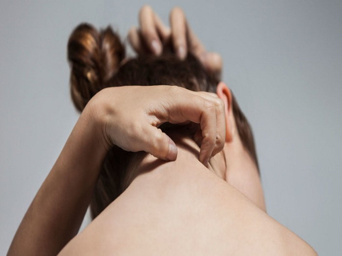 Habit scratching and atopic eczema