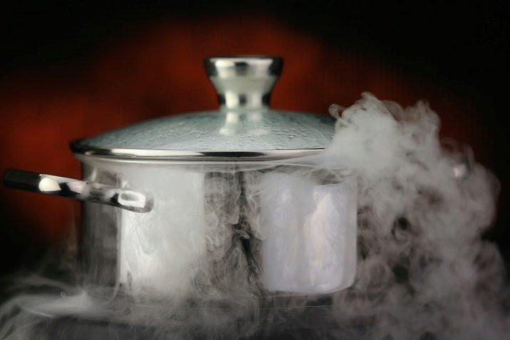 távolítsa el a zsírt a húslevesből
