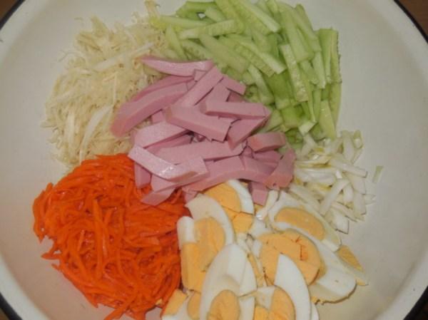 Вкусный салат с корейской морковью и свежим огурцом - как ...