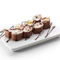 Шоколадные блинные роллы с маскарпоне и фруктами