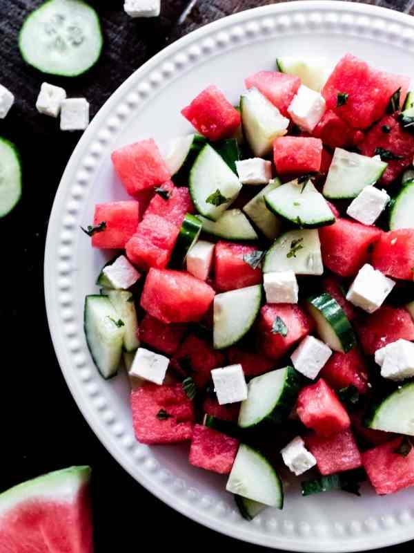 салат с арбузом и фетой - еда и мир