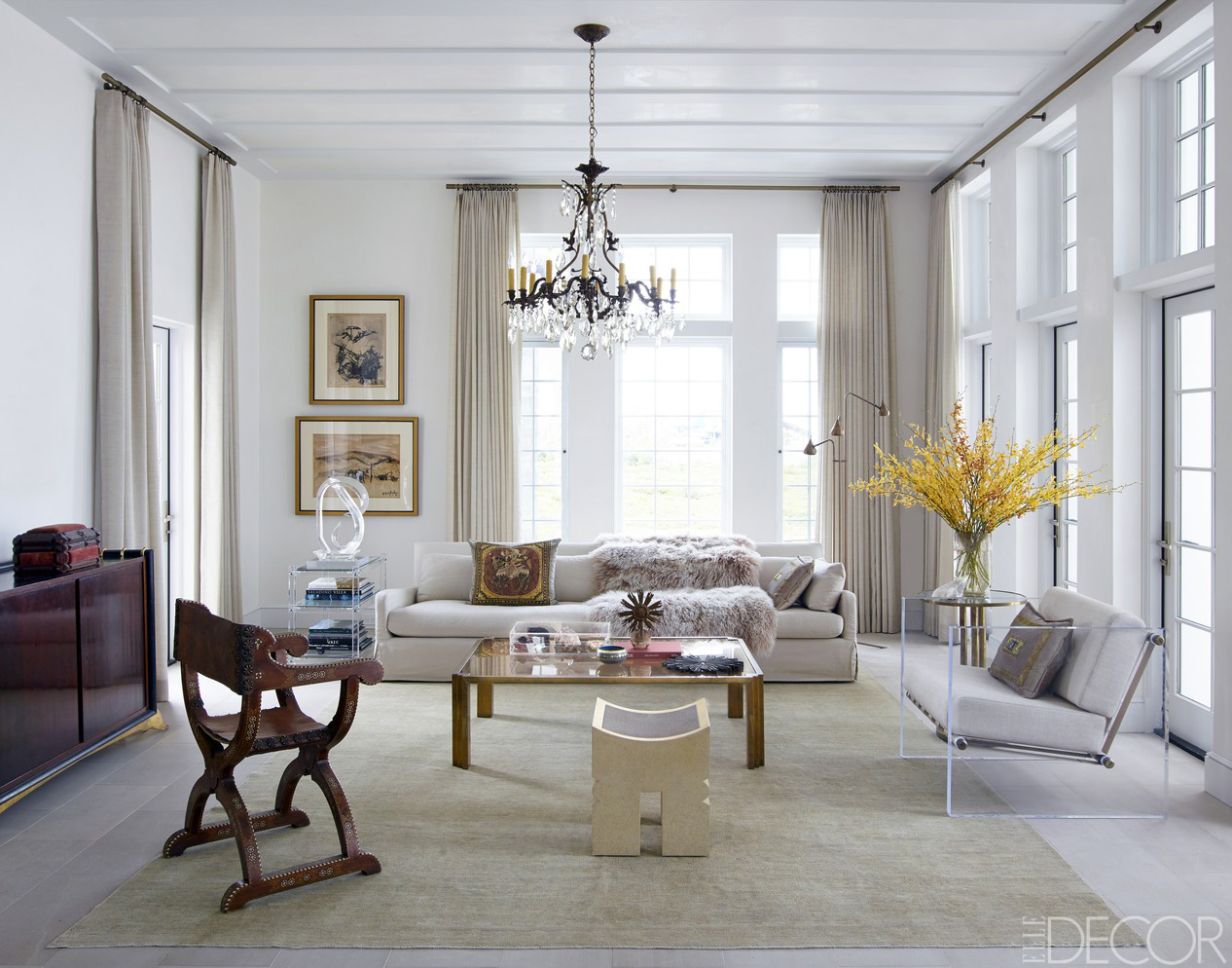 Chic Living Room Decorating Ideas and Design - ELLE DECOR on Pictures For Room Decor  id=86837